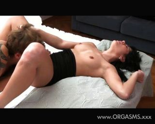 Oral Orgasm Makes Her Asshole Relaxed