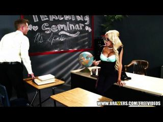 Mrs.breanna Sparks Gets Taught A Lesson