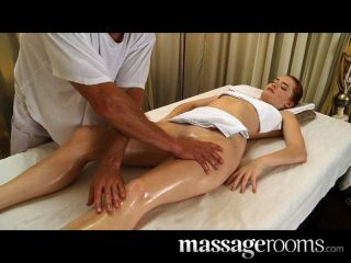 Very Sexy Erotic Massage Ends In Creampie
