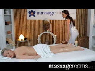 Massage Rooms - Stunning Lesbians Massage