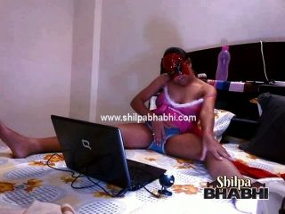 Indian Shilpa Bhabhi On Live Sex Webcam Show