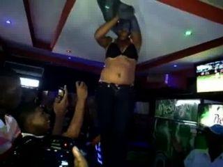 Chica Dominicana Se Desnuda Por Dinero
