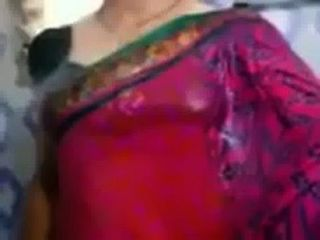 Indian Aunty Showing Wet Boobs On Saree