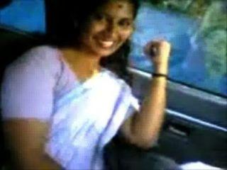 Kerala Aunty Shanthi Boob Show In Omni Van