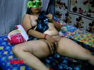 Permalink to Desi Aunty Green Sari On Bed