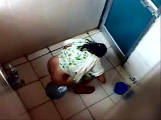 Indian Girls Caught In Toilet ..pisshunter