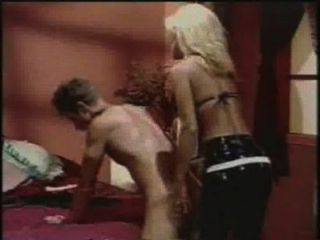 Anal Male - Jill Kelly Strapon-fucks A Guy With A Dildo