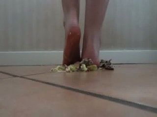 Lina Crush Hamburger Barefoot