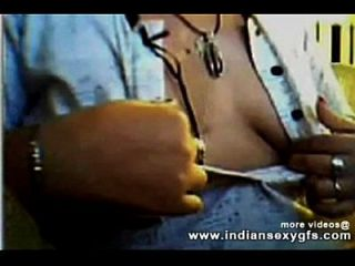 Indian Geetha Bhabhi Boobs Expose Her Asset Front Of Cam - Indiansexygfs.com