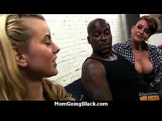 Hot Mom Receive A Huge Black Dick Porn Video 13