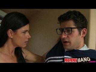 India Summer Threesome In The Bathroom With Teen Couple