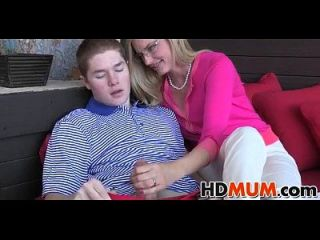 Sexy Mum Gives Love Lessons