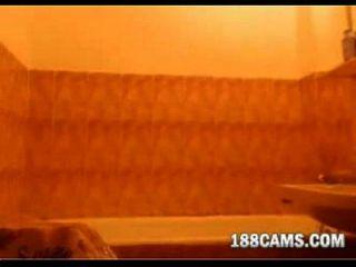 Redhead Taking A Bath - 188cams.com