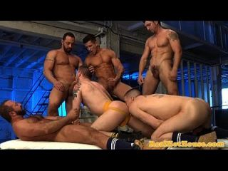 Butch Muscular Hunks In Orgy