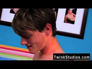 Twink Sex These Two Super-hot Youngsters Are Loosening After A Long