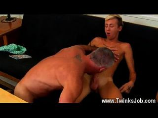 Gay Video This Fantastic And Muscled Hunk Has The Handsome Lad Mason
