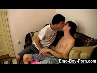 Amazing Twinks New Emo Guy Kurt Is Making Out With Hung Boy Jesse On