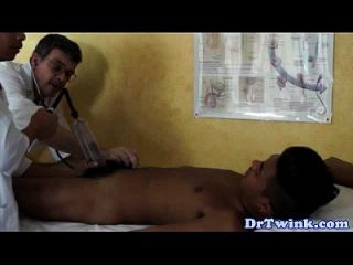 Dr Twink And Assistant Give Patient A Bj