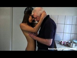 Geeky Teen Carolina Fuck Old Dude Nick