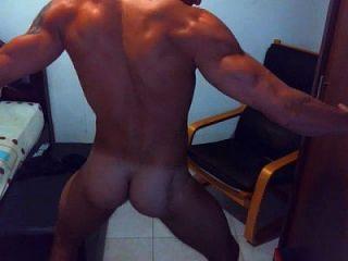 Hot Dude On Webcam Dance And Jerk Off