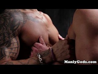 Muscular Gay Assfucking For Tattooed Hunk