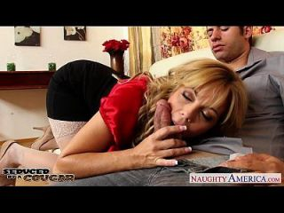 Lustful Cougar Amber Lynn Bach Taking A Large Shaft