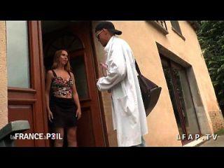 Docteur Sodomie S Occupe D Une Jeune Demoiselle
