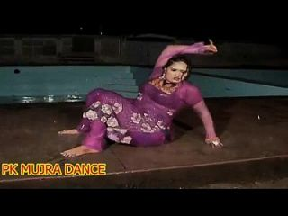 New Mujra In Rain Wet