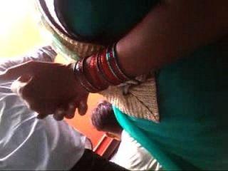 Slim Bhabhi Showing Her Navel N Boob Curves Secretly