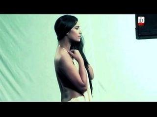 Poonam-pandeys-bold-scenes-from-movie-nasha