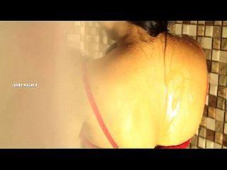 Mallu Aunty Bathing Scene In Apartment