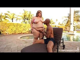 Big Booty Ssbbw Fucks Big Black Stud Out By The Pool