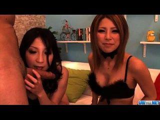 Sakura Kiryu Sharing Cock In Steamy Blowjob Show