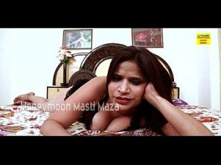 Indian Desi Bhabhi On Cam Showing Boobs