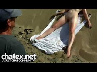 Voyeur Public Beach- Perfect Amateur Body And Lucky Guy Enjoying Her