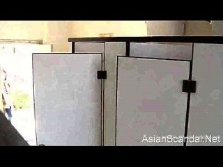 Peeping Chinese Girls Go To The Toilet.2-3