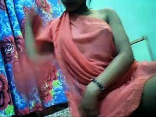 Hot Desi Cam Girl Boobs Show(0)