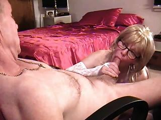 Naughty Mommy Doing A Great Experienced Blowjob