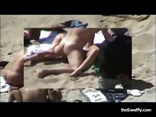 Fantastic Amateur Beach Sex Bonanza!