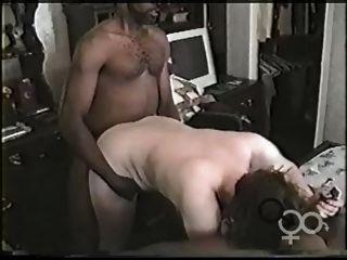 Lesbiand making out