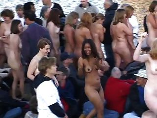 5000 Naked-cmnf Biggest Crowded Show