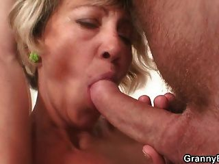 Very Hot Mature Lady Fucked Hard