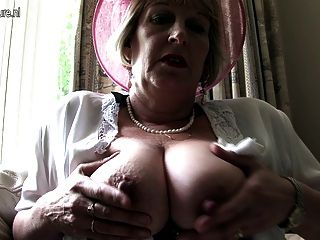 Classy Mother From London Going Naughty