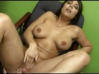 Face Sitting And Footjob Action