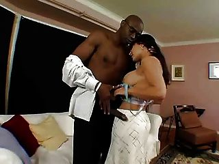 Lisa Ann Welcomes Sean To The Hood.