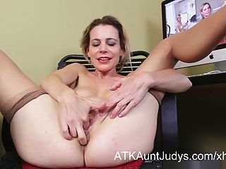 Fat Mature Housewife Inserts Banana In Her Pussy Free Sex Videos ...