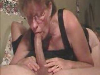 Mom give the best deepthroat