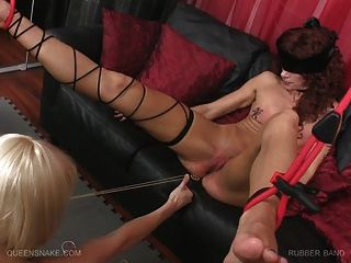 Queensnake.com - Rubber Band Part 4