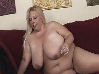 Blonde Bbw-milf With Huge Boobs