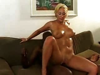 Very Hot Wet Mature Milf.by Pornapocalypse